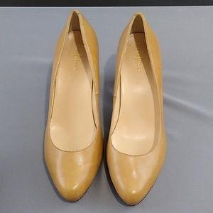 Cole Haan heels size 9.5 tan color